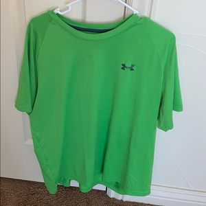 Xl under armour T-shirt, could be unisex